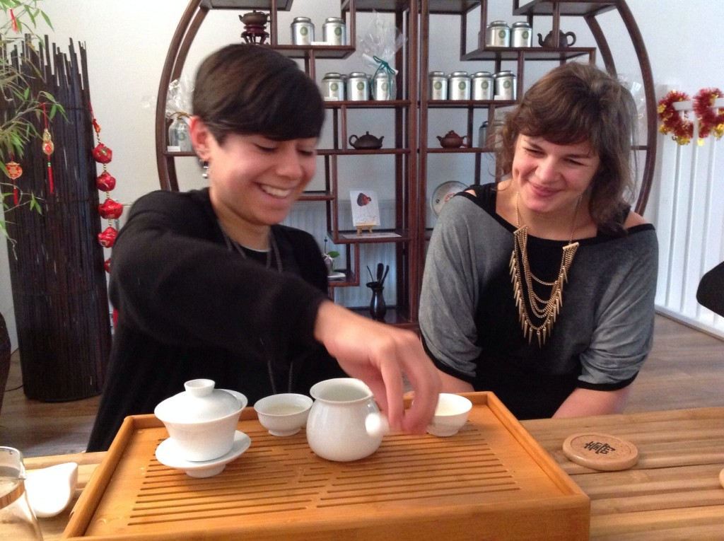 Practise the Chinese tea ceremony at our workshops